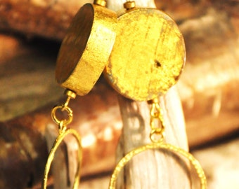 Earring made of wood clad in pure gold with a hammered brass ring, By Tribu Urbaine Design®