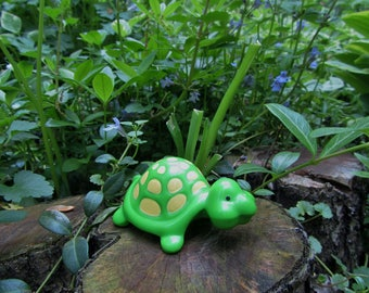 """Turtle Toy Green Plastic """"Tea Time Turtle"""" 70s """"Kenner"""" """"Strawberry Shortcake"""" Art Animal Figurine Whimsical """"Greenery"""" Color Decor Gift"""