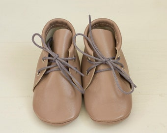 Grey moccasins with light pink shade
