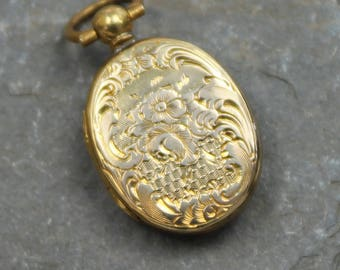 Lovely Antique Victorian 9ct Gold Back & Front Locket Pendant