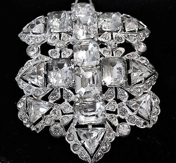 EISENBERG ORIGINAL Fur Clip 1930s 30s Art Deco Swarovski Crystal Fancy Cut Old Hollywood Glam Wedding Bride Bridal Dress Clip Prom Fashion
