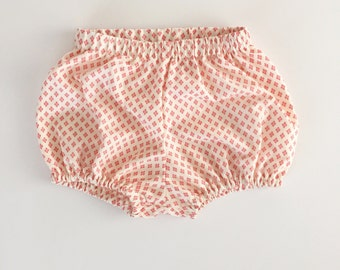 S A L E Speckled pink bloomers for babies and toddler girls