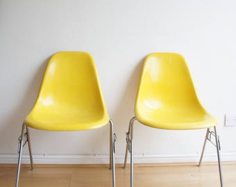 Mid century Herman Miller Eames fiberglass dining chairs