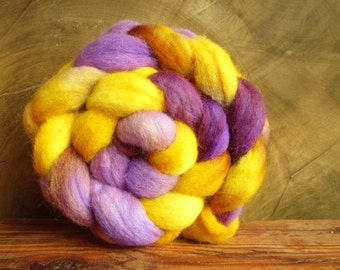 "Romney wool Wick 109 gr ""lavender and gold buttons"" hand-tinted"