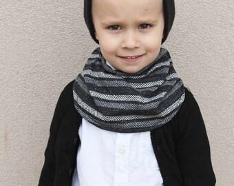Infinity bib/scarf
