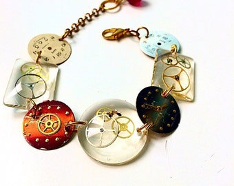 Adjustable resin bracelet and dials