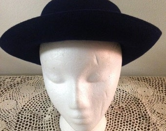 1970s Arline  Wool Hat in Navy Blue with Ribbon made in USA, great for fall, winter, outdoor wear, indoor wear, with a suit.