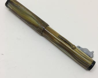 1930's Beige/Brown Wood Grain Pattern Fountain Pen