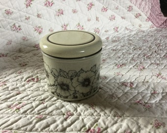 Hornsea Pottery - Cornrose jam/honey jar