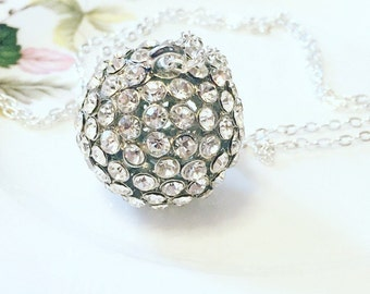 Vintage Rhinestone Pendant Necklace, 1970's circular Rhinestone Necklace, Sparkling Pendant Necklace, Gift For Her.