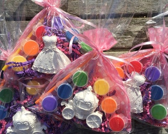 Princess party favors. Princess dress and coach . Girls party favors . DIY. Comes assorted .Each one is   3.29  School .Class .
