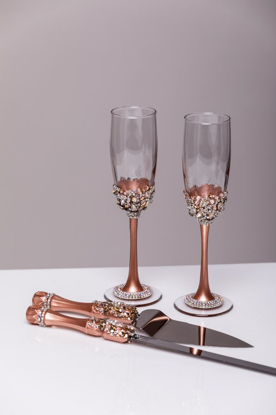 and groom wedding toasting flutes wedding flutes cake set set of 4