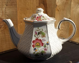 Sadler Teapot, Vintage 1930's Sadler Teapot, Hexagon flower Teapot, Hexagon Sadler Teapot