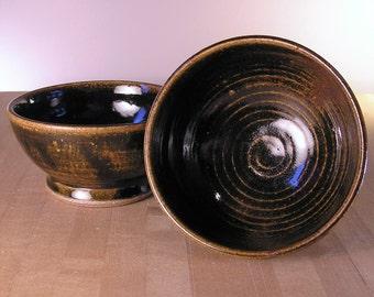 Bowls (set of 2) - Black bowls with amber detail