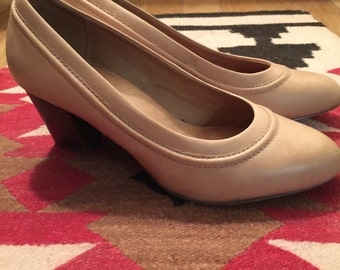 Vintage Clark's Tan Leather Comfort Shoes- USA 7 wide Fit