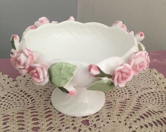 Beautifull bone chins footed bowl/candle holder/dish/ trinket pot / posy pink roses / vintage shabby chic home decor