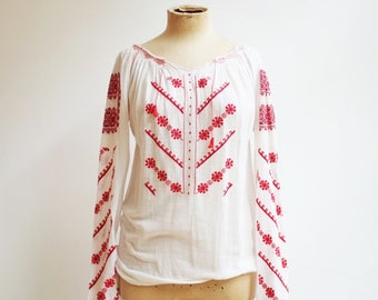 Vintage ethnic folklore romanian hungarian embroidery hippie blouse top S/M