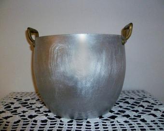 Old aluminum pot with brass handles/old brass handles aluminum pot