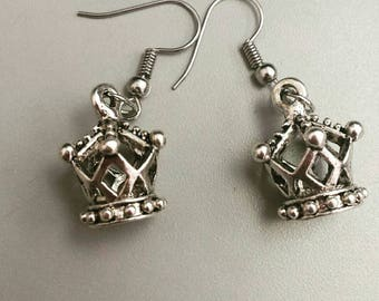 Queen Bee Crown earrings, crown earrings, queen earrings, queen jewelry, crown jewelry