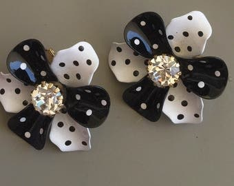 Vintage Charming Polka Dot clip on Earrings.