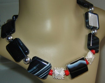 Agate necklace with 925 Silver + coral - 47 cm
