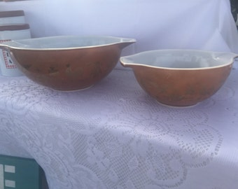 1960s Pyrex nesting bowls