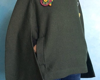 Wool Cape Olivart//clothing/women's/woman/tailoring/vintage/Hood/natural yarns//gift ideas