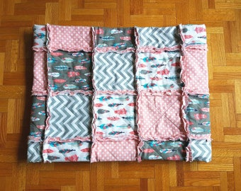 Feather Rag Quilt, Feather Baby Quilt, Baby Rag Quilt, Toddler Rag Quilt, Feather Toddler Blanket, Toddler Bedding, Baby Bedding, Polka Dots