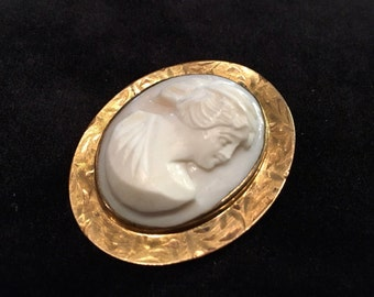 Old Antique Vintage Large Hand Carved Shell Pink Angel Skin Cameo Brooch Pin