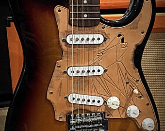 Pickguard in leather tanning plant, Wolf geometric pattern, natural color, for Fender Stratocaster