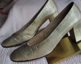 Leather and gold lame pumps 1970-size 38.5