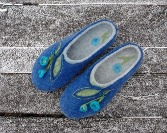 Personalized felted slippers - all sizes. Custom size shoes. Wool shoes with flowers, felt, flat, slippers, felting
