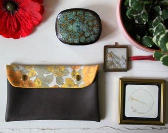 Vintage Pocket / pouch Brown Leather / Sleeve orange flowers / vegan