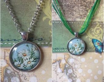 Daisy Flowers Pendant Necklace