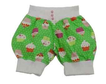 Short Rasi / shorts for girls size 68, with cupcakes.  Unique art. No. 1001