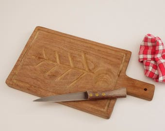 Rustic french Large Wooden Cutting Board, Carved Wood Serving Board Meat Drip Channels Side, french Farmhouse Heavy Chopping Board