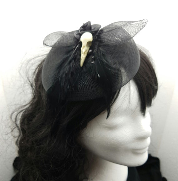 SALE pin up Fascinator raven skull, 50s rockabilly gothic black