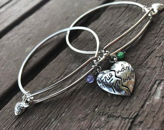 Handcrafted Silver Friends Forever charm bangle bracelet set