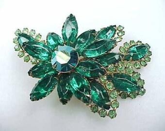 Gorgeous Vintage Green Rhinestone Brooch