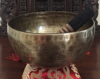 Singing Bowl / Meditation Bowl with cushion & stick...