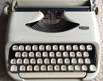 WORKING TESTED CLEANED Vintage Royal Royalite 64 Manual White-Beige Typewriter with Original Case