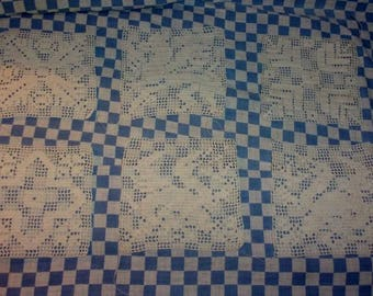 6 squares, made by hand in lace