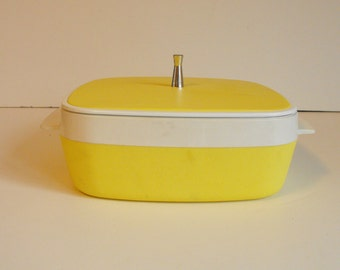West Bend Thermo-Serv Yellow Insulated Casserole Dish   (620)