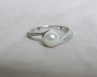 Faux pearl and Swarovski crystal ring, sterling silver band