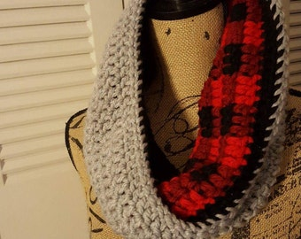 Reversible Plaid Cowl