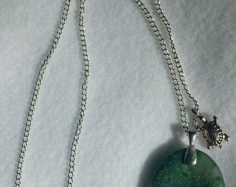 Worry Stone Pendant Necklace - Moss Agate