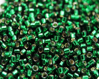 11/0 Delica Beads / #148 / Miyuki Japanese Seed Beads / Silver Lined Green / 7 grams / DB148
