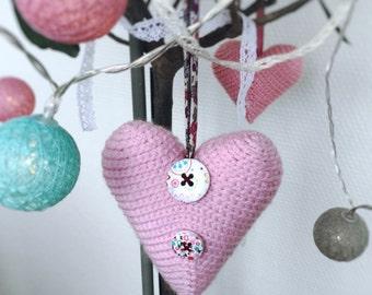 Crochet  amigurumi pink heart.  pink knitted heart. Amigurumi pink heart. Wedding table decor. Sent Valentain decoration.