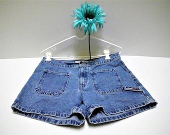 Vintage Tommy Hilfiger Patch Pocket Hammer Loop Denim Shorts - Size 8