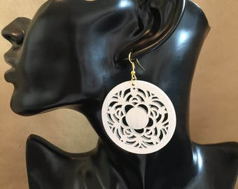 Wooden filigree earrings, white cirlcle earrings, wooden danly earrings item 313 by CraftyLittleMonkeyGB